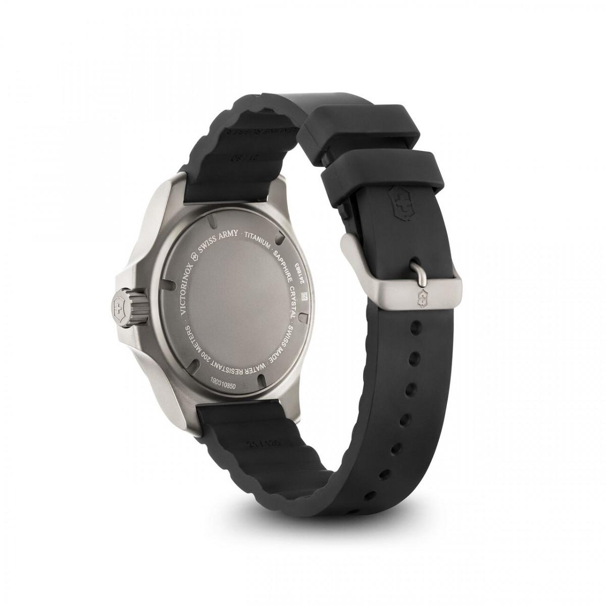 Montre Homme Victorinox I.N.O.X. Titane, cadran gris, bracelet noir caoutchouc - 43 mm